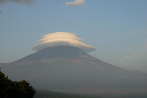 傘を被った富士山